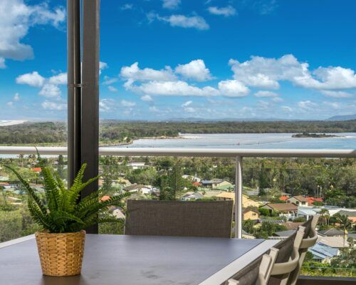 Grandview-Ballina-Accommodation-3-Penthouse-Bedroom (1)