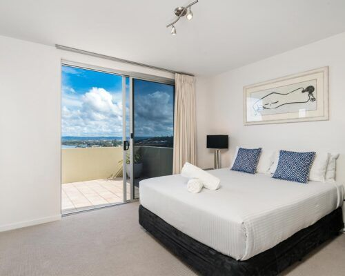 Grandview-Ballina-Accommodation-3-Penthouse-Bedroom (13)