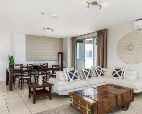 Grandview-Ballina-Accommodation-3-Penthouse-Bedroom (15)