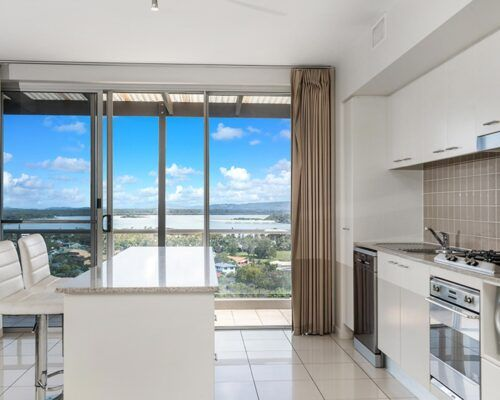 Grandview-Ballina-Accommodation-3-Penthouse-Bedroom (19)