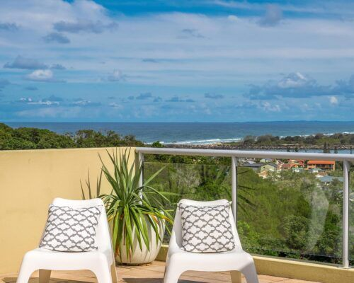 Grandview-Ballina-Accommodation-3-Penthouse-Bedroom (2)