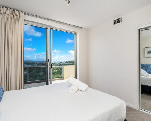 Grandview-Ballina-Accommodation-3-Penthouse-Bedroom (25)
