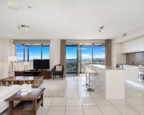 Grandview-Ballina-Accommodation-3-Penthouse-Bedroom