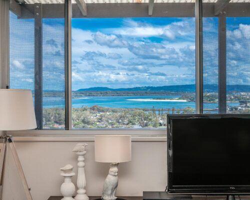 Grandview-Ballina-Accommodation-3-Penthouse-Bedroom (30)
