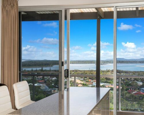 Grandview-Ballina-Accommodation-3-Penthouse-Bedroom (5)