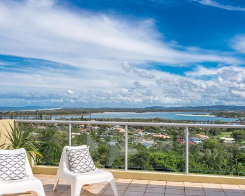 Grandview-Ballina-Accommodation-3-Penthouse-Bedroom (7)